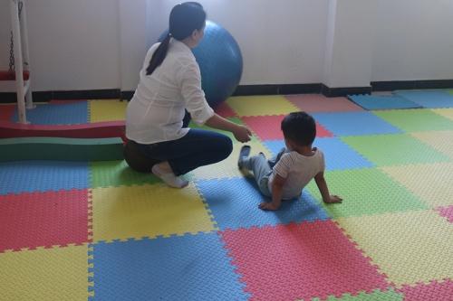正确对孤独症儿童进行护理和医疗管理的措施