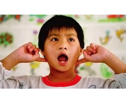 正常语言发展的表现及语言发育迟缓的警告信号